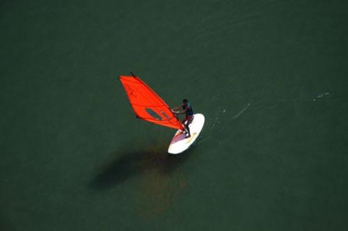 visithuelva cursos de windsurf